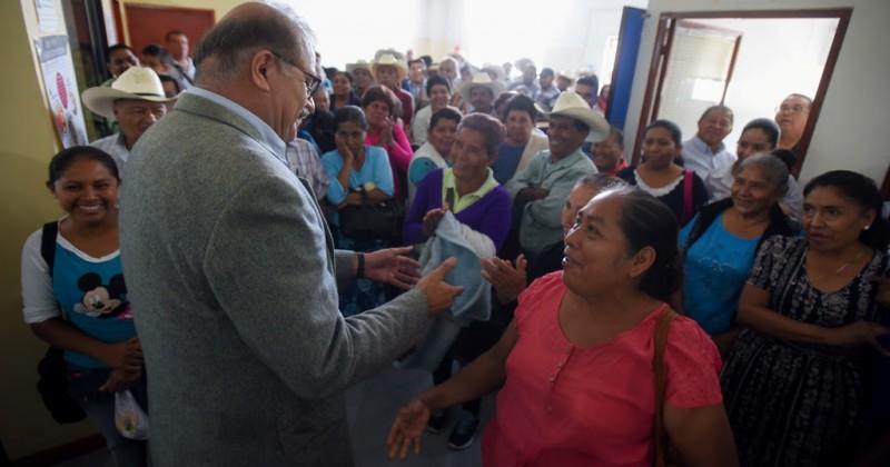 Atiende titular de Sedagro a grupo de campesinos de la zona sur