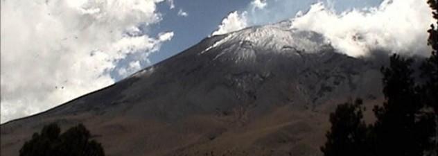 Registra Volcán Popocatépetl 61 exhalaciones acompañadas de vapor de agua y gas