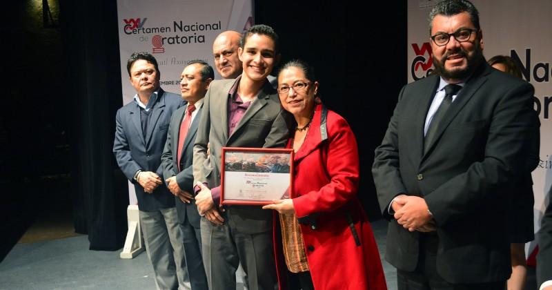 Obtiene alumno de COBAEM segundo lugar en Concurso Nacional de Oratoria