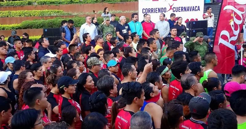 Realizan en Cuernavaca carrera de Flor de la Noche Buena