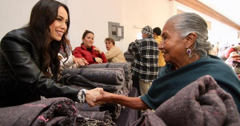 """Beneficia DIF Morelos a más de 3 mil familias con la campaña """"Por un Morelos sin Frío"""""""