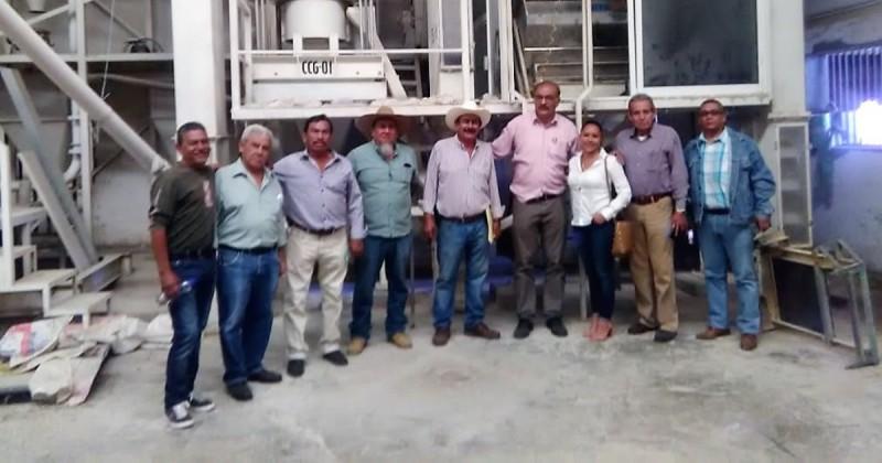 Trabaja Sedagro con ejidatarios para recuperar los campos en Emiliano Zapata