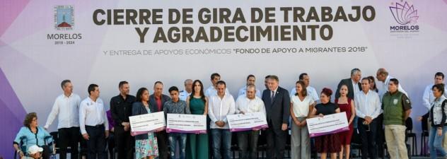 Entrega Cuauhtémoc Blanco apoyo económico a migrantes morelenses repatriados