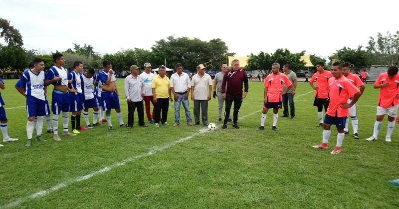 Promover el deporte, uno de los compromisos de Cuauhtémoc Blanco