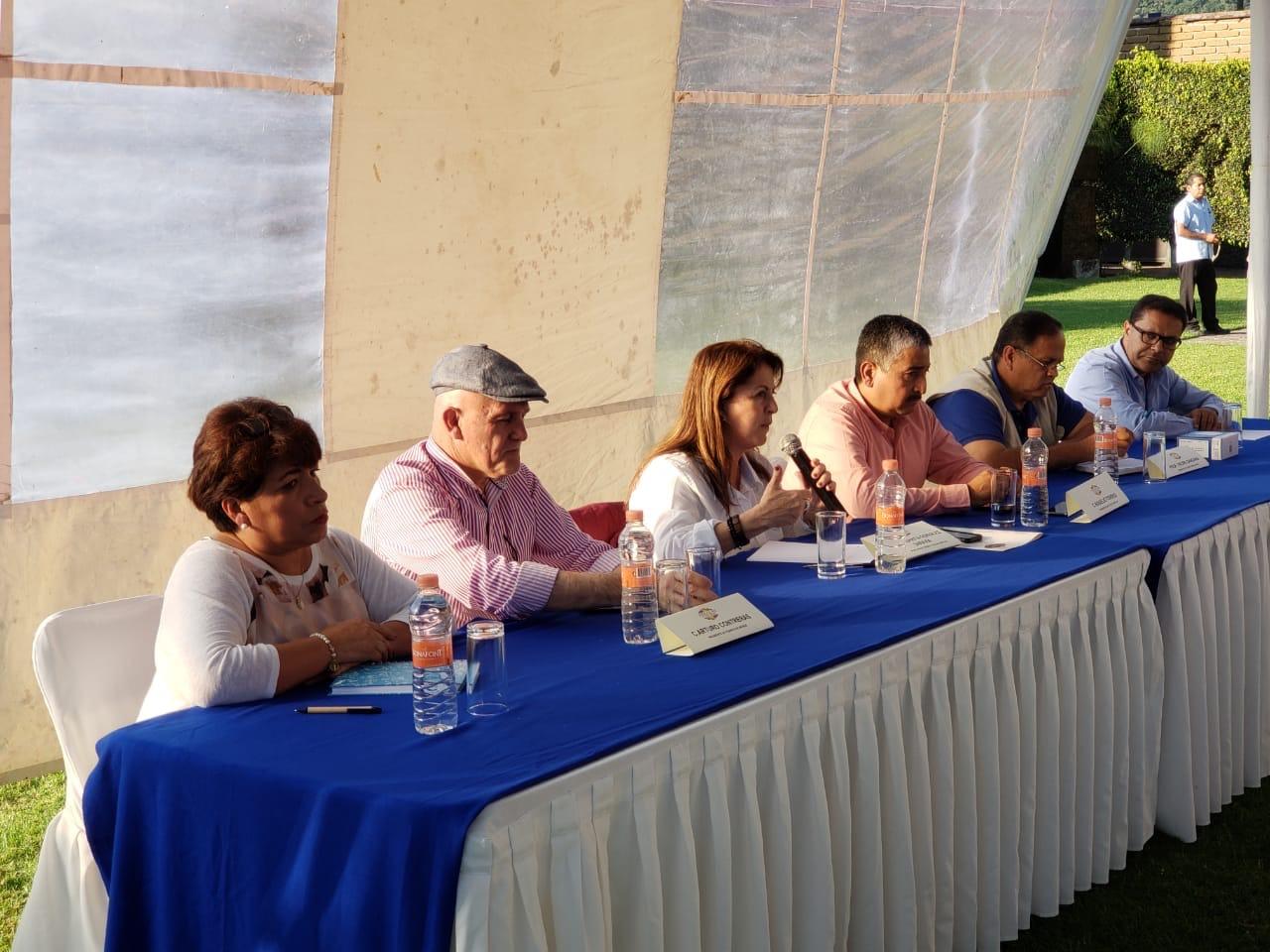 Acuerda Graco Ramírez con campesinos del nororiente programa de obras e impulso a la comercialización de su producción