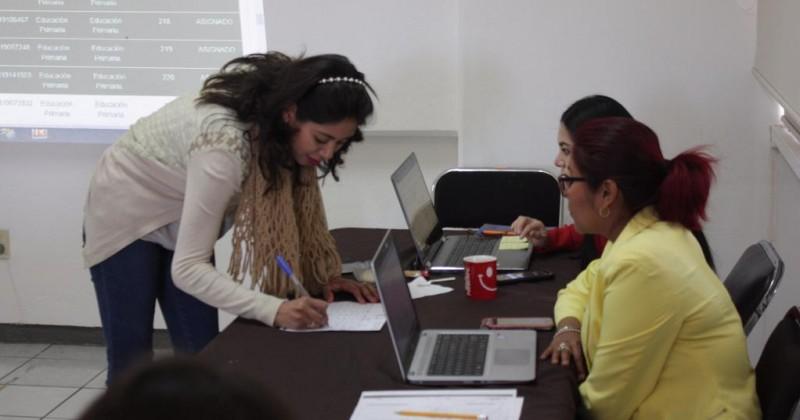 Asigna IEBEM plazas para maestros y directores