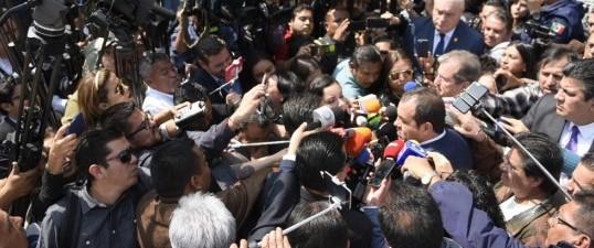 Presenta Cuauhtémoc Blanco denuncia en contra del ex gobernador Graco Ramírez, ante la SEIDO
