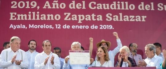 Declaran AMLO y Cuauhtémoc Blanco a 2019 como Año del Caudillo del Sur, Emiliano Zapata